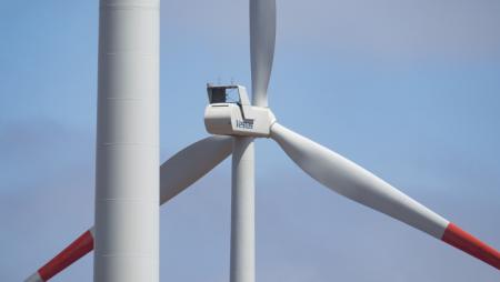 Los mayores fabricantes de turbinas eólicas reportan caídas en sus ingresos