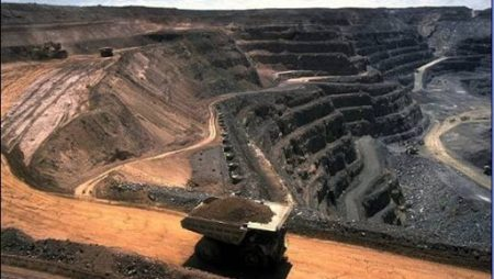 Producción de carbón y petróleo, burbuja solar y derretimientos en la Antártica