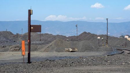 Sigue el desplome del precio internacional del carbón