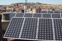Batería a escala industrial, municipios comercializan energía renovable y emisiones de carbono alcanzan nuevo récord