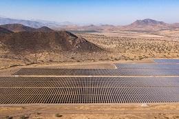 Menores subsidios impactan la instalación de paneles solares en el Reino Unido, fugas de metano amenazan al GNL y los costos de las políticas climáticas