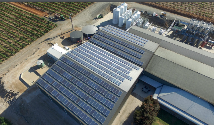 Energía Internacional: precio del petróleo, comunidades solares, y caída en la inversión en las energías renovables