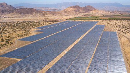 ¿Cuánto han caído los costos de las centrales de energía renovable?